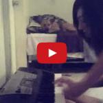 video mozart con una mano