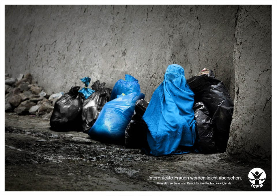 mujeres oprimidas