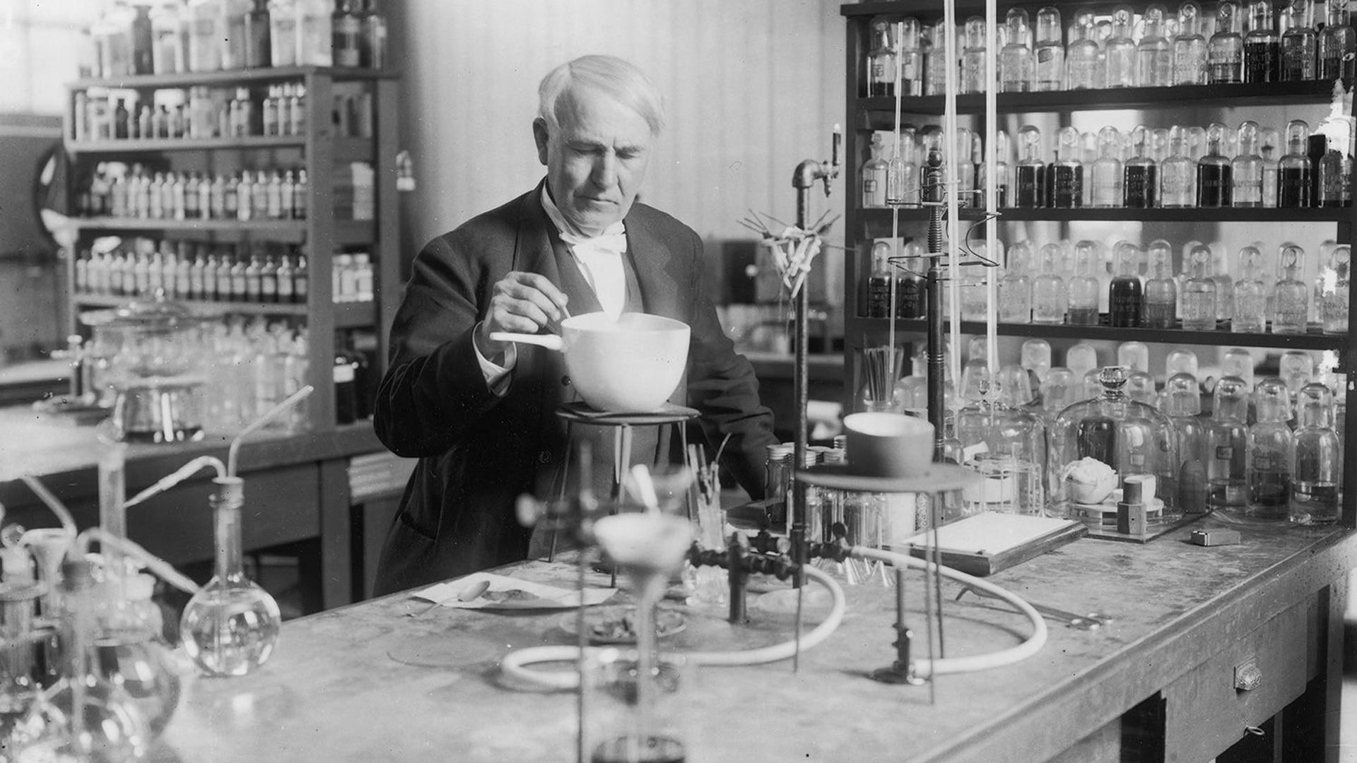 Thomas Edison pasó mucho tiempo en su laboratorio