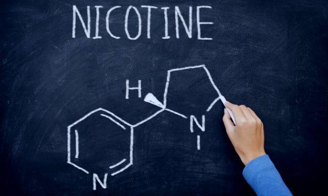 nicotina que es