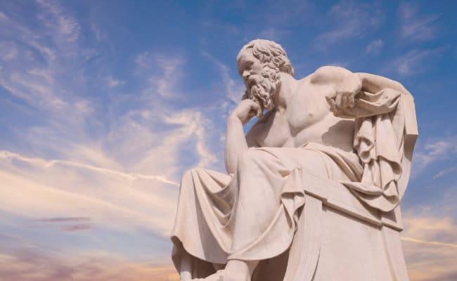Estatua de pensador