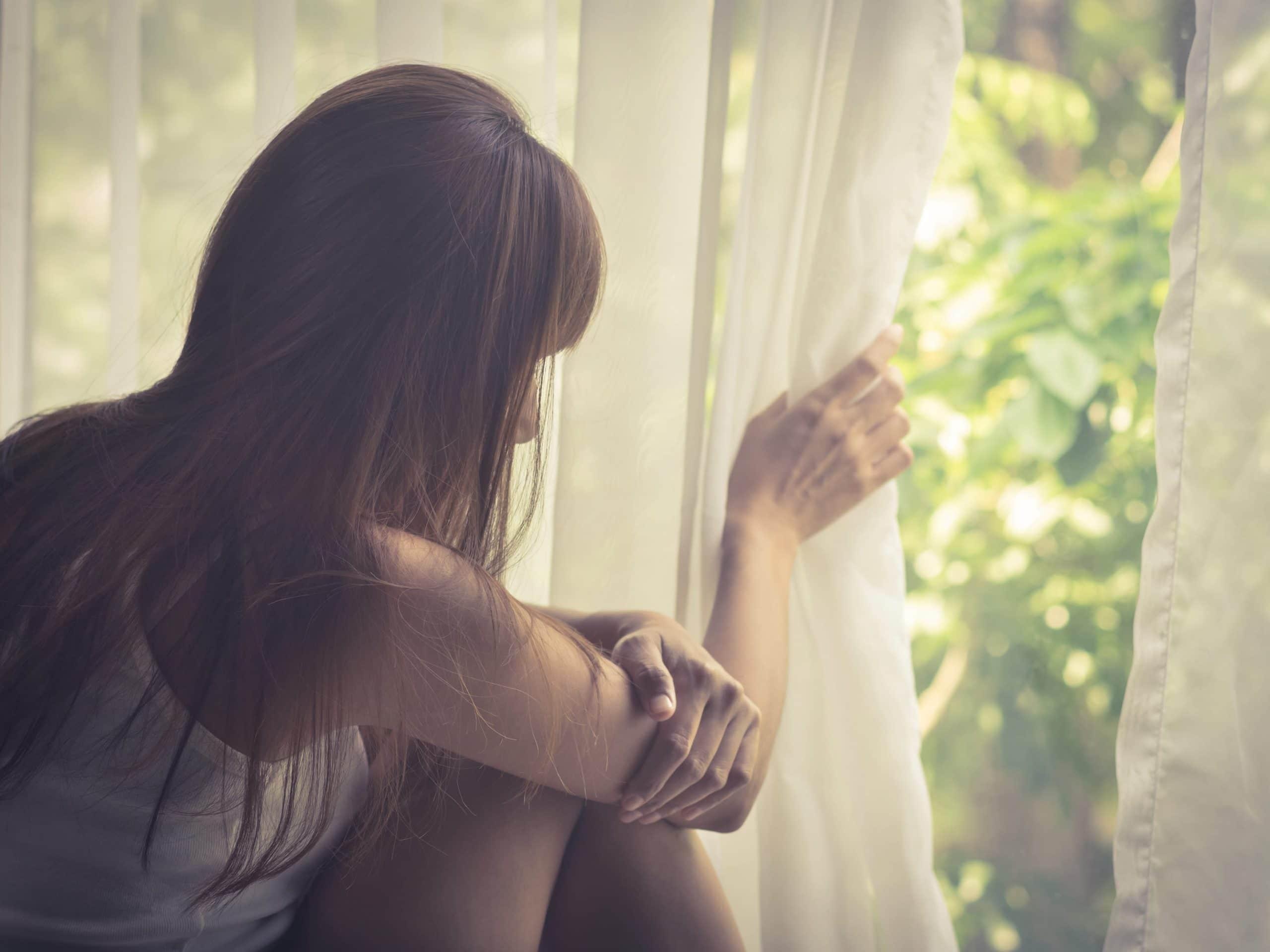 chica con ansiedad social