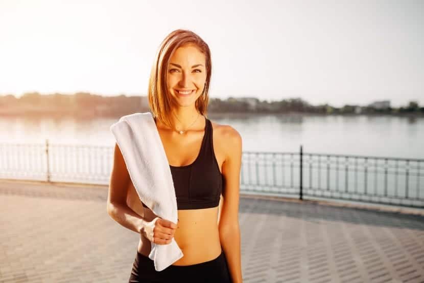 mujer después de entrenar