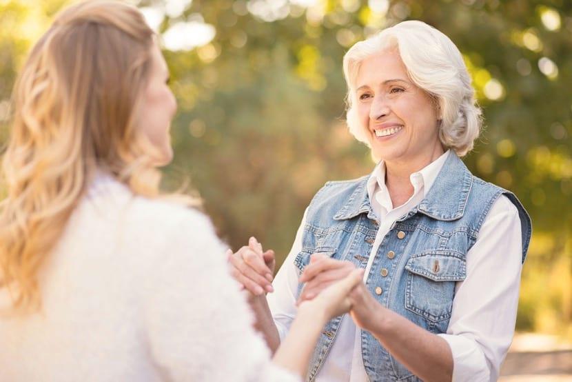¿Cuál es la diferencia entre gerontología y geriatría?