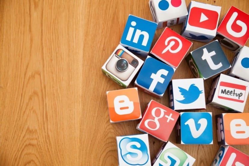 un monton de redes sociales