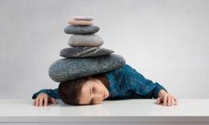 sensación de astenia como tener piedras encima