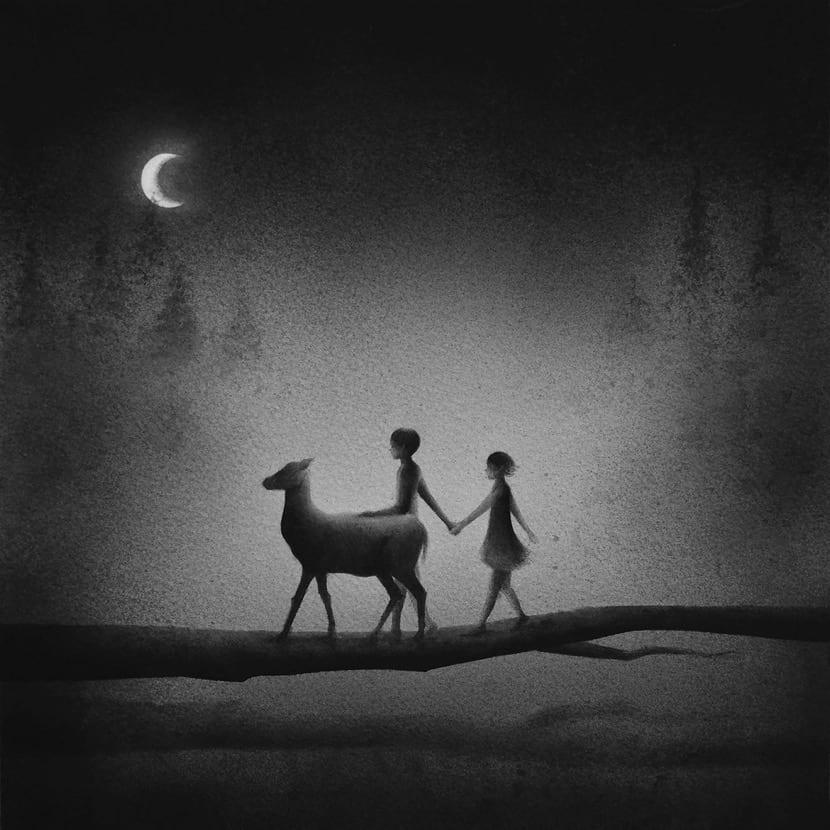 pareja paseando en mitad de la noche
