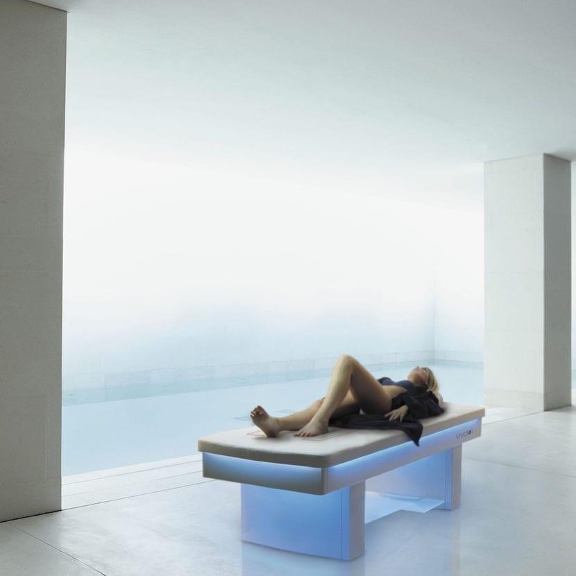 color azul de cromoterapia para la salud emocional
