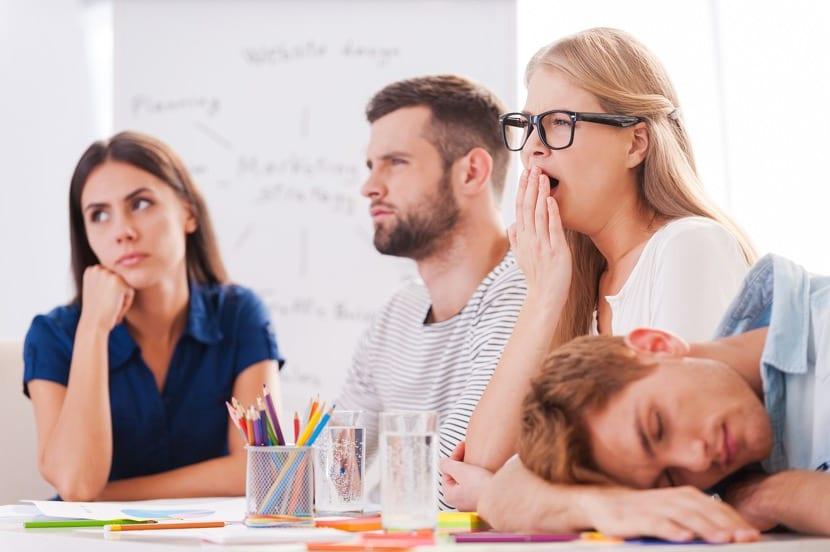 personas apaticas en el trabajo
