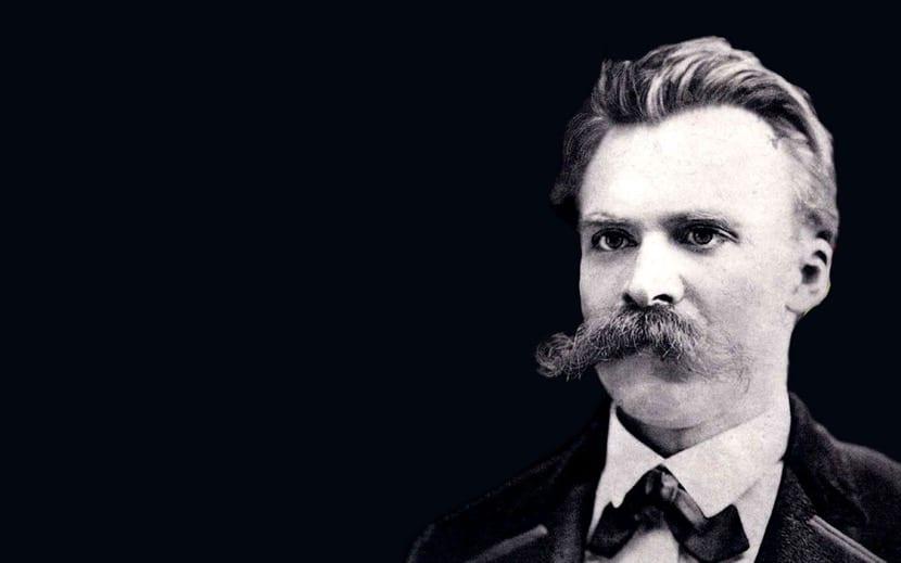 fotografía de Friedrich Nietzsche