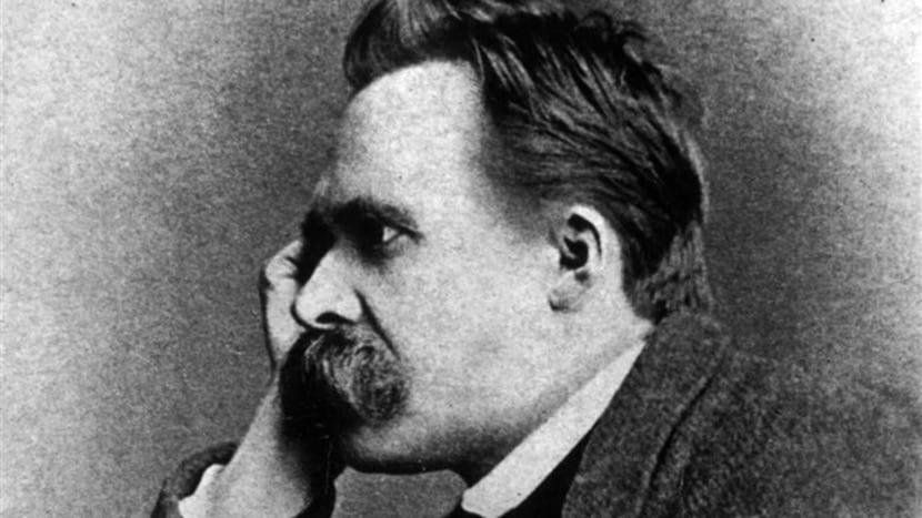 Friedrich Nietzsche pensante