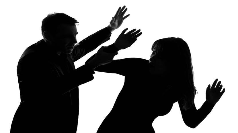 pegar como violencia de genero