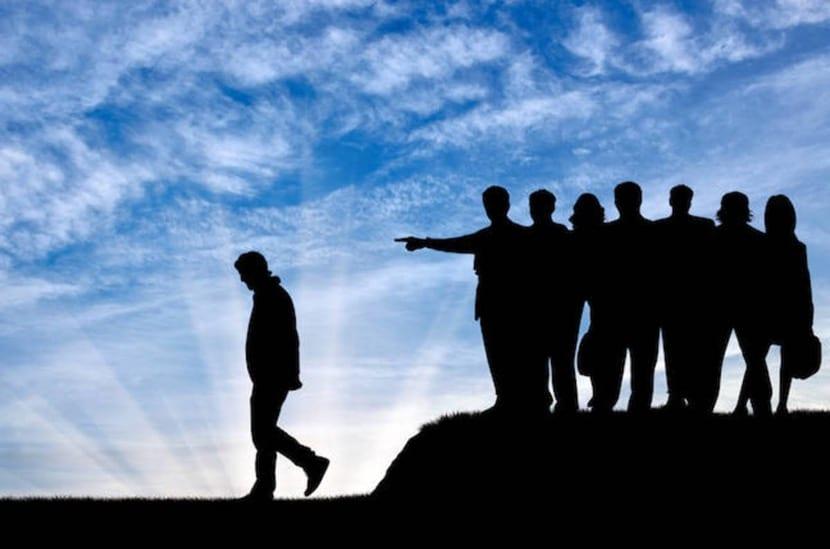 ostracismo en un grupo social