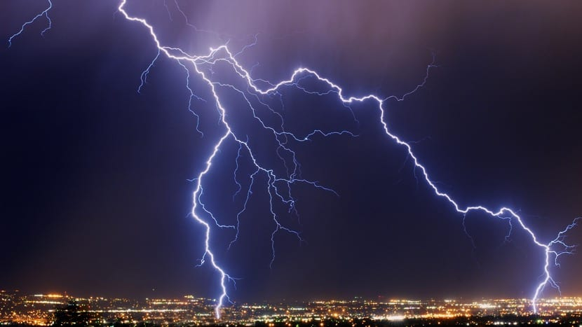 tormenta con rayos