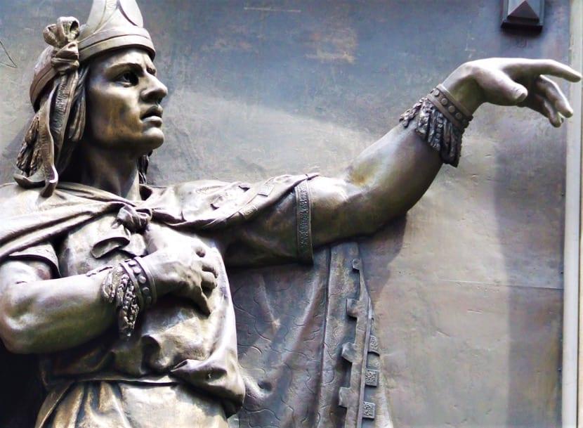Nezahualcoyotl monumento