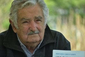 pepe mujica mirando