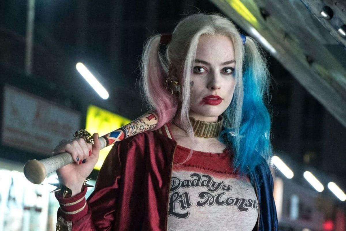 Harley Quinn con un bate