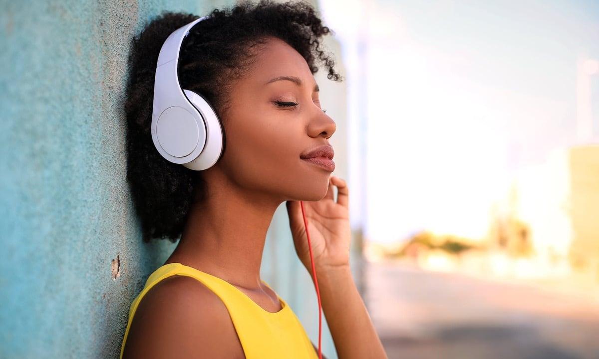 escuchar musica
