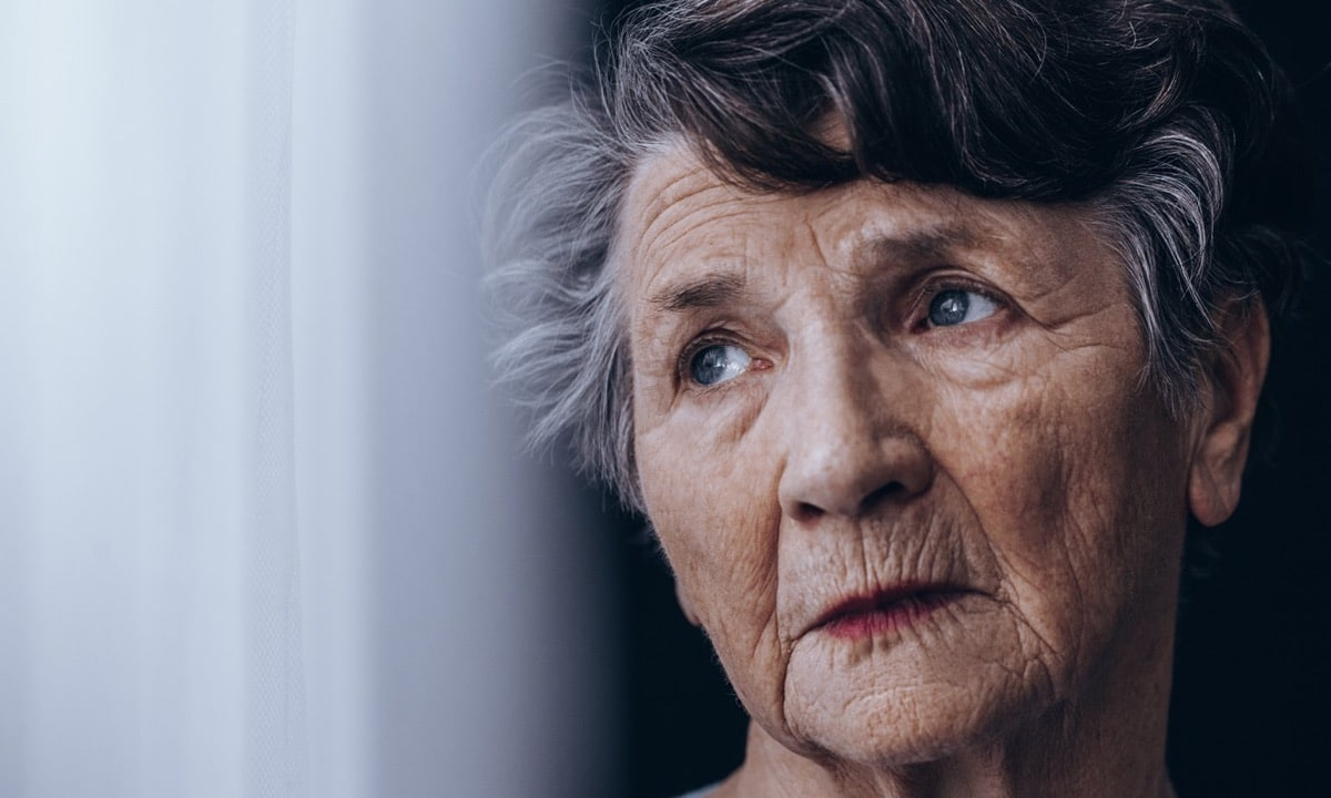 mujer mayor cuarentena