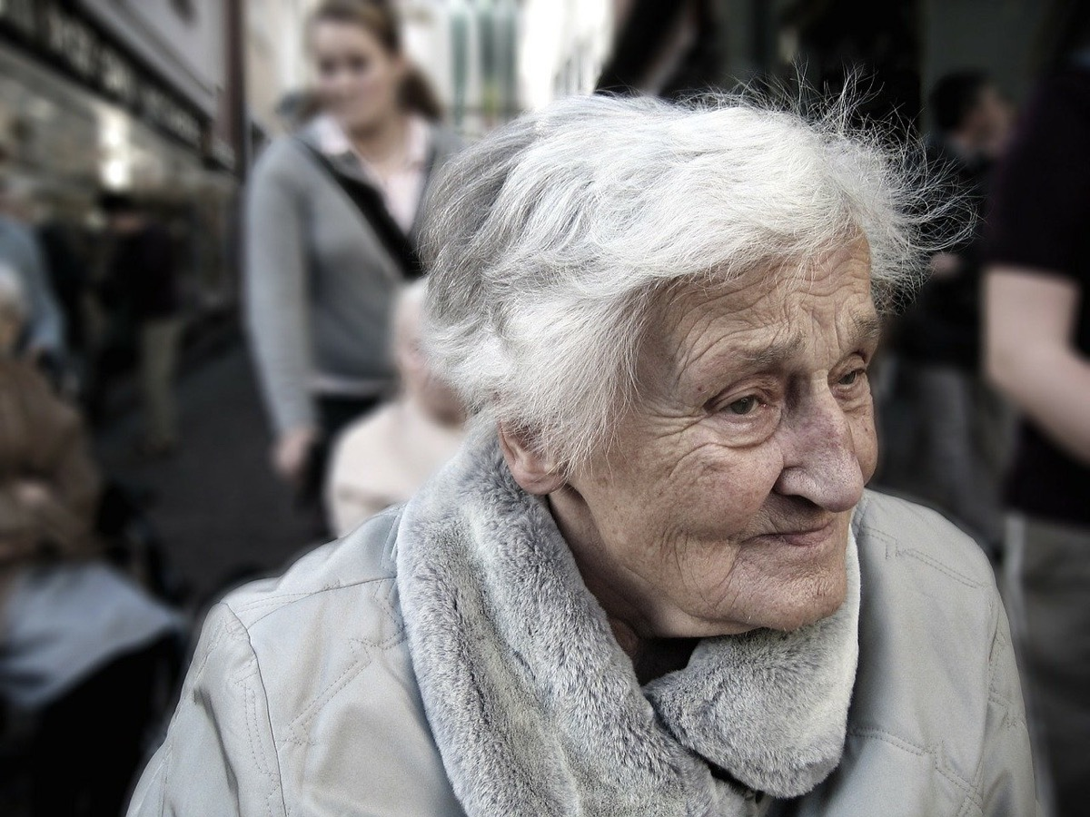 Dedica las mejores frases a tus abuelos
