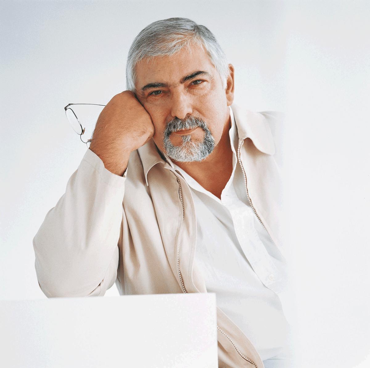 Jorge Bucay pensando en sus frases inspiradoras
