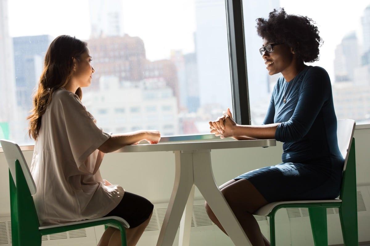 Expresarse bien te será fácil si practicas con alguien
